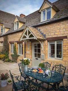 Hook Cottage - 4 bedroom Cotswold cottage in the heart of Chipping Campden