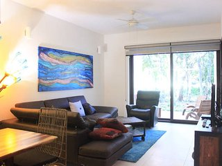 Secluded Condo, Great Jungle View, Full of Amenities