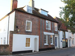 Chichester City Centre 3 storey town house with parking