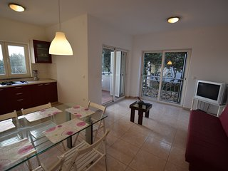 Modern apartment with great terrace and sea view,400 m distant from the sea !