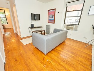 Beautiful 1 Bed Apartment In SoHo, Tons Of Light