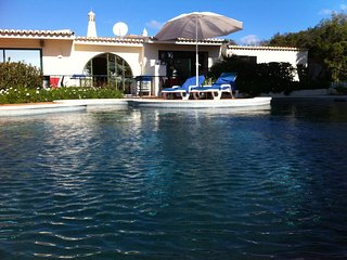 June LASTMINUTE Stunning 6 bedroom 600m2 villa with pool in Carvoeiro, Algarve