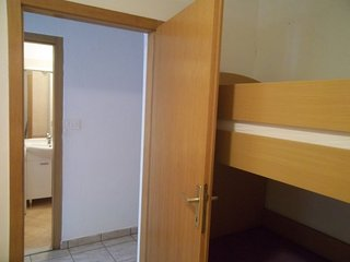Studio Apartment Tonka, Grohote