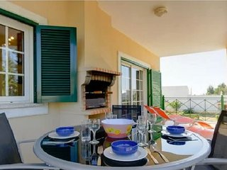 Near Marina, Beautifully appointed, fully equipped 5mins to Falesia Beach
