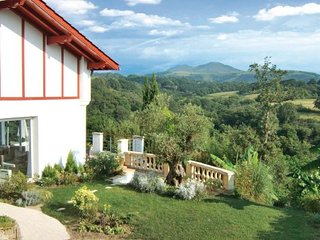 2 bedroom Villa in Saint Pee Sur Nivelle, Pyrenees Atlantiques, France : ref 2221778, Souraide