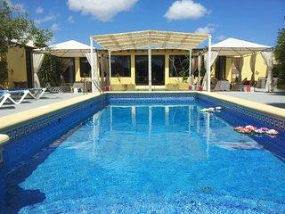 Villa con piscina privada, Tahiche
