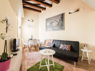 SOL, new, 3 beds, wifi, the best location, breakfast incluided, Madrid