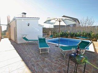 4 bedroom Villa in Trogir-Kastel Kambelovac, Trogir, Croatia : ref 2238373