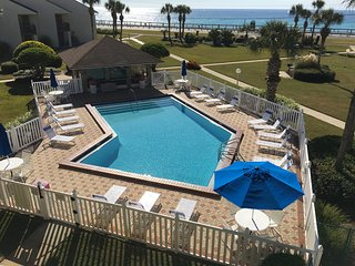 Blue Surf 16B: Great Gulf view, steps to Beach and Pool