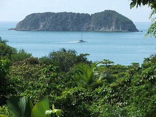 Casa Perfecto, Close to the Beach, Largest Pool in Town, Awesome Views, Privacy!, Parque Nacional Manuel Antonio
