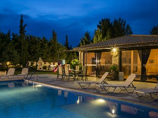 2 bedroom Villa in Trapezaki, Kefalonia, Greece : ref 2290415