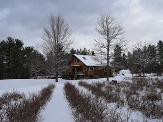 Cozy Adirondack apartment near Whiteface Mountain, Au Sable Forks