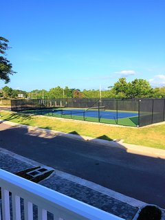 TENNIS AND BASKETBALL FACILITIES RIGHT OUTSIDE YOUR DOOR