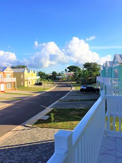 GORGEOUS COMMUNITY OF LITTLE BAY COUNTRY CLUB