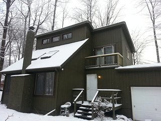 Nice Vacation Home in Pocono Mountains Close to Kalahari, Camelback, Casino etc