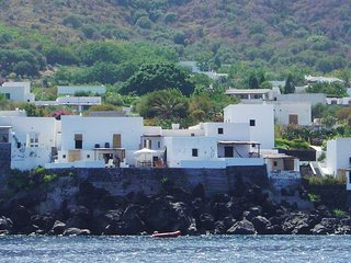 2 bedroom Villa in Stromboli, Aeolian Island north of Sicily, Italy : ref 2259145