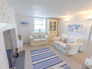 Whistler's Rest, Halsetown - Sleeps 4 with Parking and views of the Moors, St. Ives