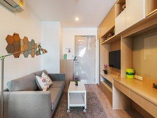 IDEO Q Condo | 1 Bedrooms - City View