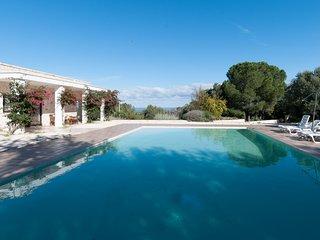 Villa Maremonti: Modern Villa with Private Pool
