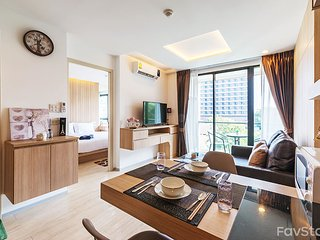 The Chezz Central Condo By Favstay l 1 Bedroom - Garden View