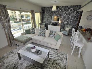 Perfect holiday home. 2 Bed + study. The Greens