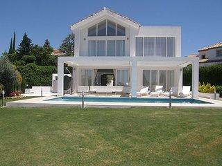 New Built Luxury Villa in Marbella with SEA VIEW -1 min to Golf - 7 min to Banus, Benahavís