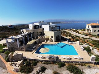 Fantastic Sea Views Luxury Villa with Large Private Pool Sleeps 12, Tersanas