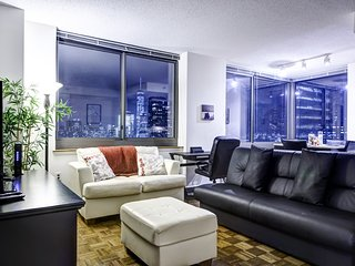 New York 1 Bedroom Apartment Facing Manhattan Skyline