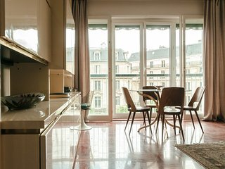 One-Bedroom Apartment Near Eiffel Tower