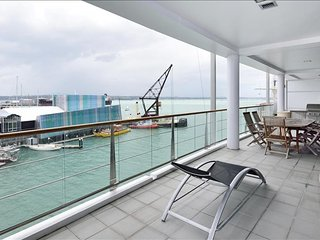 2 Bedroom and 1 Bath Waterfront Suits  in Prince's Wharf, Auckland Central
