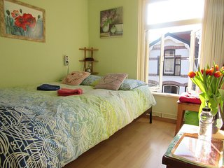 Private nice room in center Alkmaar, close to bus and train station