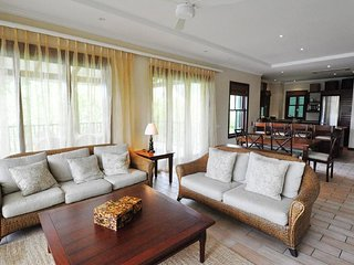 03 bedrooms mansion on Eden Island with private pool