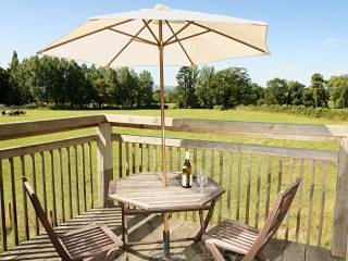 the garden room peaceful rural retreat with beautiful views and balcony, Dorrington