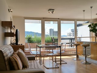 Charming 2BD AC Terrace Apartment Ana Tour As