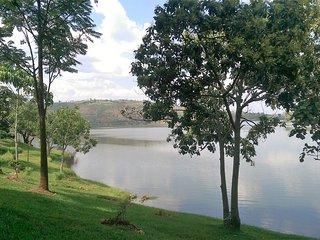 'Inkeri 1' Bungalow Suite - Duha Cottage on the Shores of Lake Muhazi