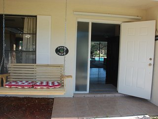 NAPLES Bed/Breakfast 4 miles OCEAN, Naples