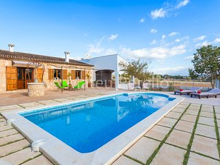 Villa Rafal Roig with pool