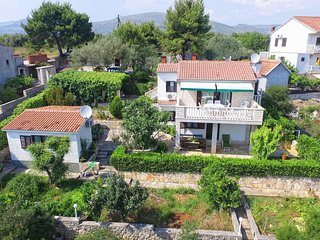 Holiday House Nela-Okrug Donji ( Trogir )