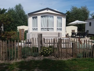 3 Beachhouse, 1km from Sea, Beach & dunes, Nature Area, Swimming Pool, free wifi, Petten