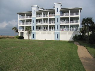 Beach Front - Gulf & Bay Views - Decks - Trails - Beach Club - Pools - Spas -Gym, Galveston