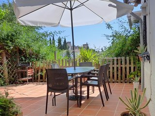 Villa 31 m from the center of Granada with Air conditioning, Washing machine