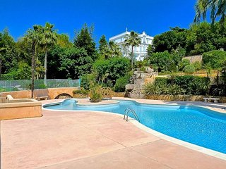 Apartment 128 m from the center of Cannes with Internet, Pool, Air