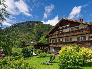 Gschwenderhaus - Ferienwohnungen, Tiefenbach