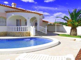 M-104. Maravillosa villa con piscina privada, A/A y capacidad para 8 personas., Miami Platja