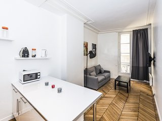 Nice 1 bedroom for 4 near Louvre