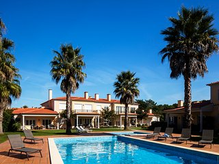 Serviced Apartment with pool at wonderful Praia Del Rey Golf & Beach Resort