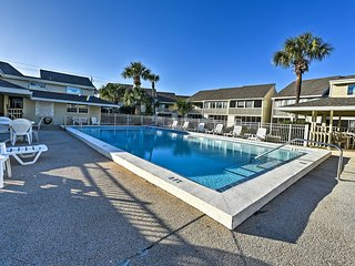 NEW! 2BR Miramar Beach Townhome - Minutes to Beach