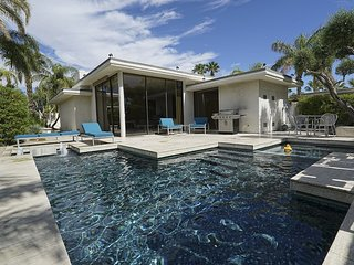 Historic Elrod Villa, Midcentury Modern Glamour, Palm Springs