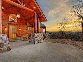 Luxury, Long Range Mountain Views Clayton, GA