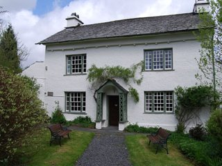 Roger Ground House, Self Catering Holiday Cottage near Hawkshead (Sleeps 10)